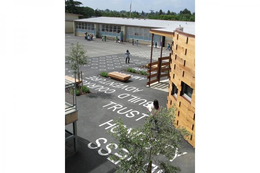 Hillside library courtyard1